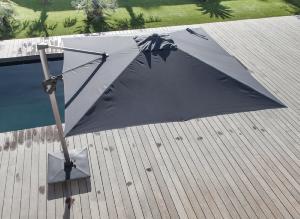 parasol d port 3 x 3 m elios orientable m t coloris royal grey toile gris. Black Bedroom Furniture Sets. Home Design Ideas