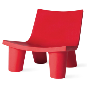 Chaise Lounge LOW LITA en polyesthylène coloris rouge flamme SLIDE