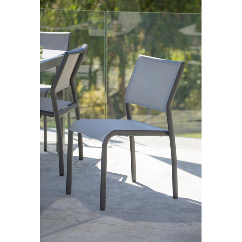 Chaise empilable ticao aluminium gris toile pvc gris clair - Chaise jardin pvc ...
